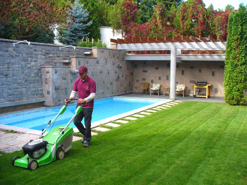 Абонаментно озеленяване на градината